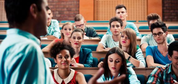 Online classes 'would not justify high university fees'