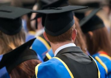 Scrap student loan interest and extend payback time – review