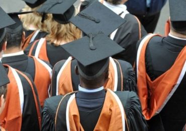Lecturers want 'radical' tuition fee review